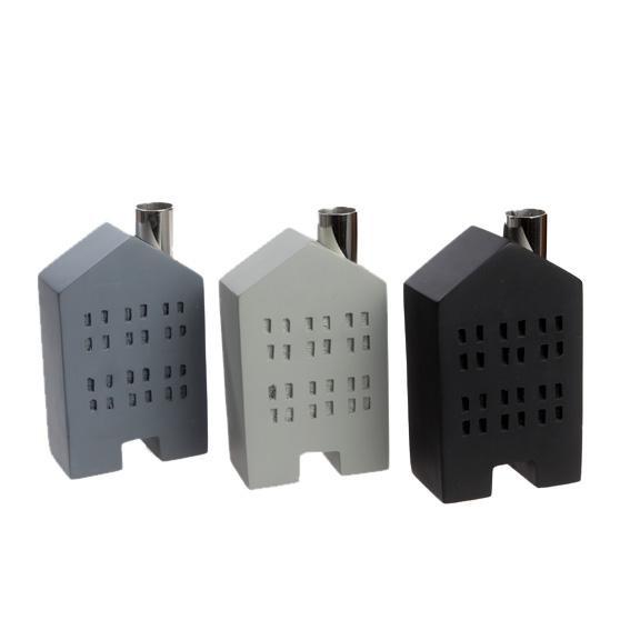 kerzenhalter f r stabkerzen haus aus holz hellgrau 033516. Black Bedroom Furniture Sets. Home Design Ideas